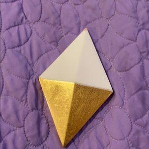 Diamond shaped wall decor